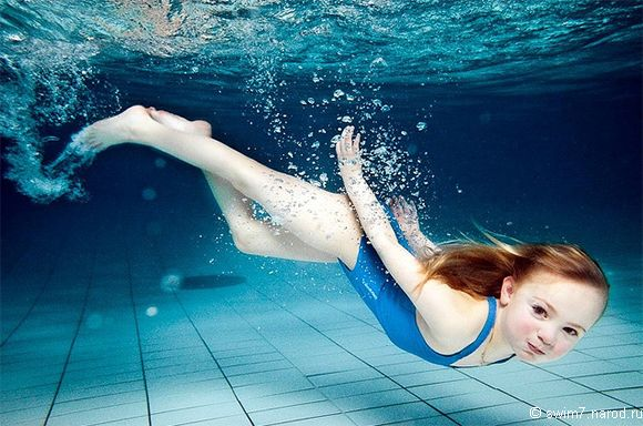 Плавание для детей: со скольки лет и какая польза