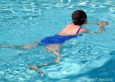 взрослые учатся плавать в Москве